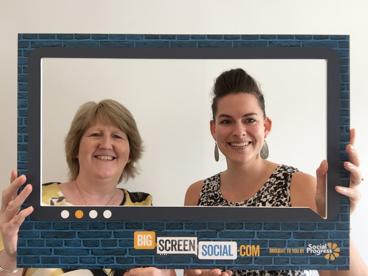 Big Screen Social - Selfie Frame - Social Progress Ltd - Techtrade Yorkshire - Twitter Wall