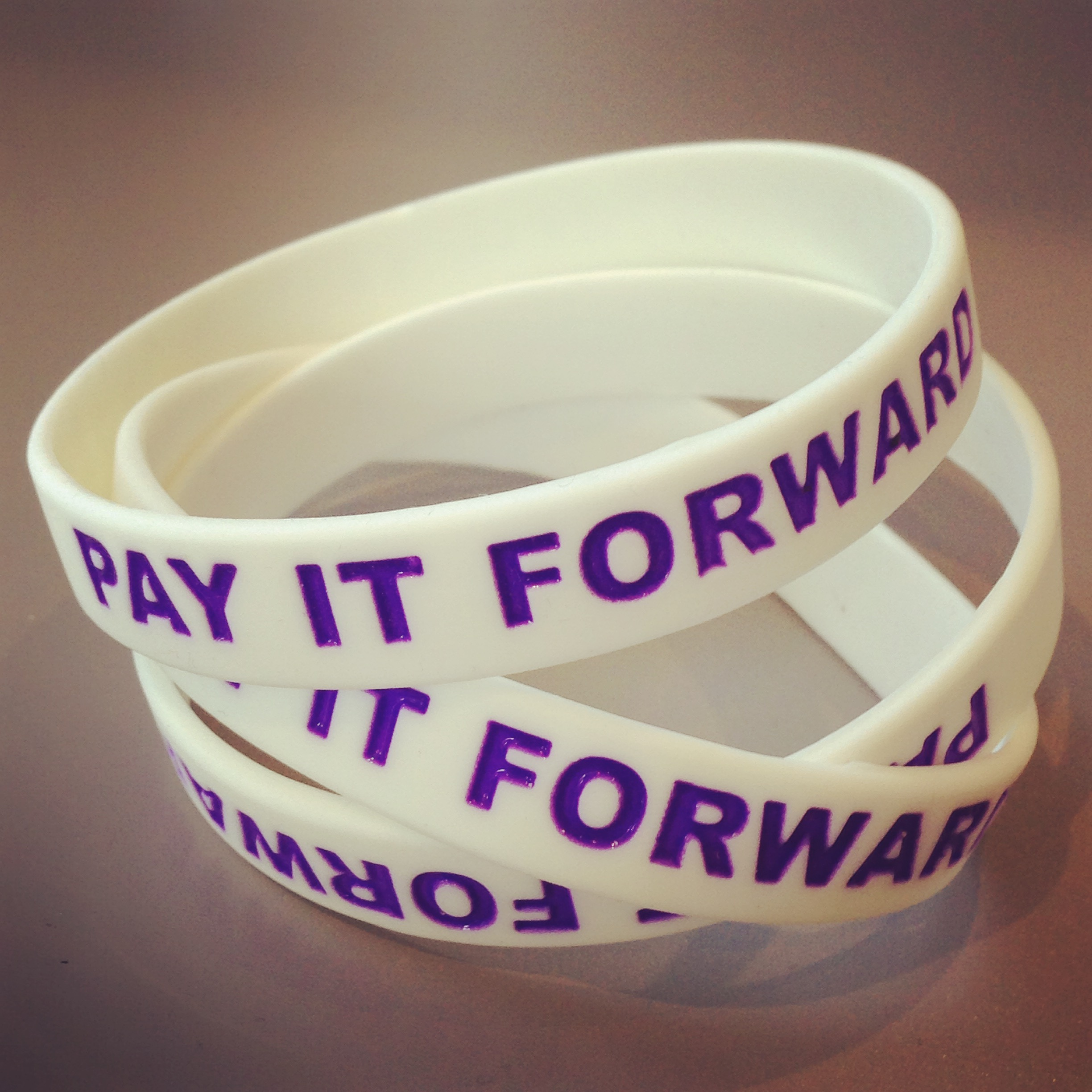 PayItFroward-Wristbands-RandomActsOfKindness